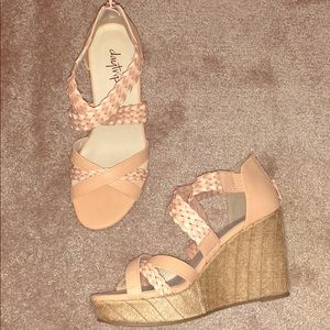 Day trip Wedges